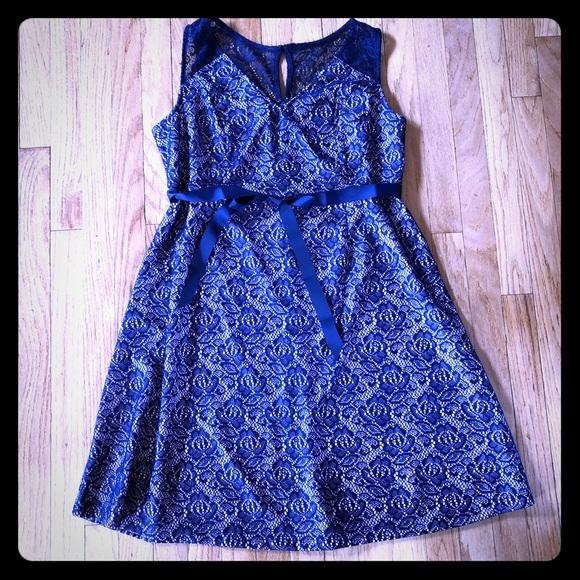 Motherhood Maternity Dresses & Skirts - Motherhood Maternity Dress Pink/Navy Lace LG